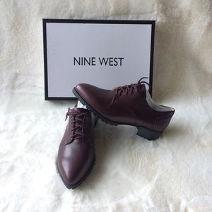 NEW IN BOX Nine West Leather Oxford Shoes